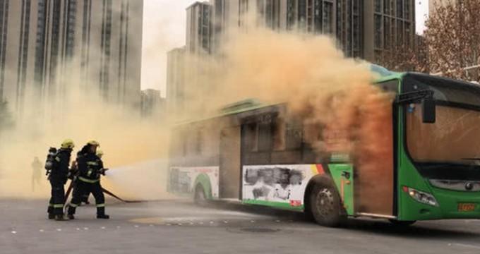 郑州公交举行反恐应急处置演练 现场犹如警匪大片