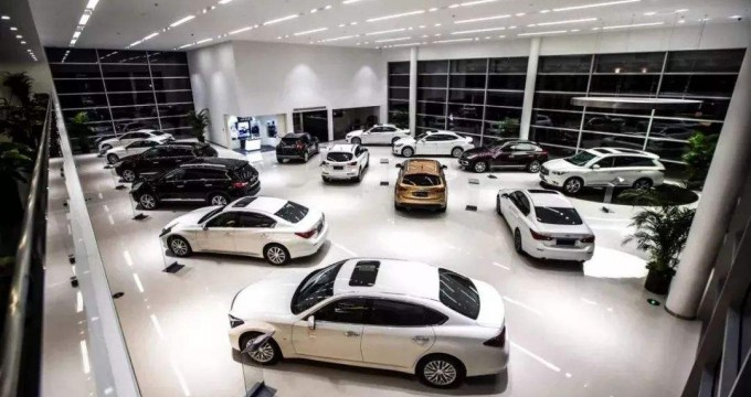 中国新车销量时隔28年下滑 2019年将如何