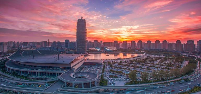河南省十三届人大常委会第二十七次会议召开